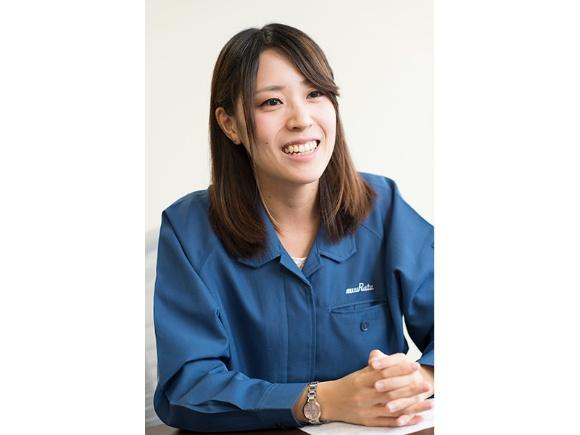 """高学歴""""リケジョ""""の上田さんは、仕事と未来の暮らしや、確実なキャリアアップのためにベストな道として選んだのは地元・越前市の福井村田製作所だった"""