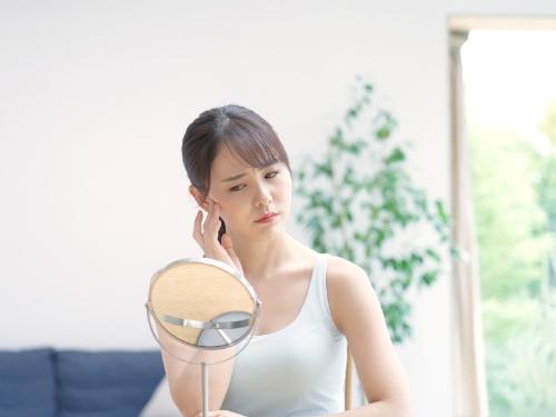 「嫌だなぁ、このくすみ……いっそのことマスクで隠してしまいたい」鏡を見ながらそう思ってしまうこと、ありませんか?