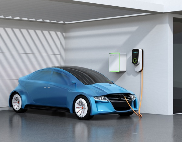 EV(電気自動車)など、身近なところでカーボンニュートラルへの取り組みは進んでいる(写真はイメージ)
