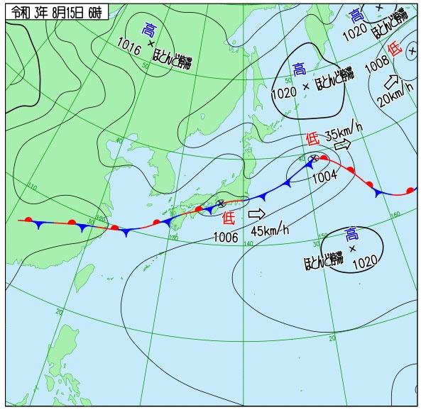 8月15日6時の天気図/長く延びた前線の南北で高気圧が「ほとんど停滞」というお盆には稀(まれ)な形。2つの高気圧どちらも譲らず、前線付近で大雨に。大雨の特別警報も発表された。9月1日にもこの時のように前線が現れ、再び涼しくなった(図/気象庁提供)