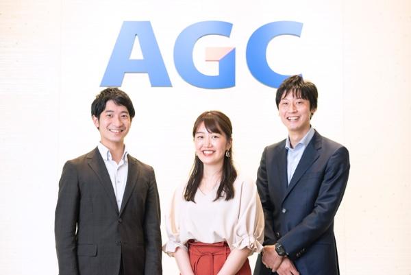 左から、北野さん(広報・IR部 )、青木さん(電子カンパニー 企画管理室 HRグループ)、冨依さん(化学品カンパニー 開発部)。取材中も終始笑いが絶えなかった