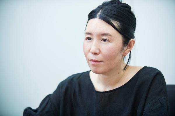 「日本でインティマシー・コーディネーターを増やしていくためには、まずは自分が経験と実績を増やし、日本の作品づくりの現場に合うコーディネートの手本をつくっていくことが先決です」