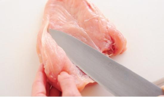 柔らかジューシーに仕上げるポイント1肉の厚さをそろえる