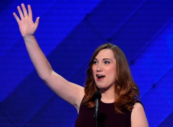 サラ・マクブライド氏は、性転換者であることを公表した上で出馬、史上初めて州議会の上院議員に当選した(写真:AFP/アフロ)