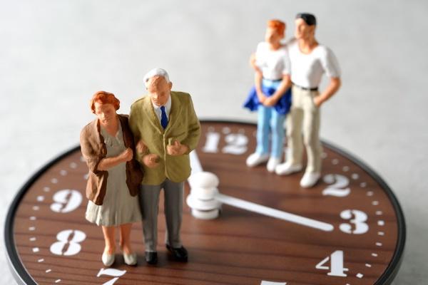 平均寿命の延びを反映して、死亡保障の保険料が大きく下がった