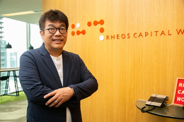 レオス・キャピタルワークスの創業者で、会長兼社長CIO(最高投資責任者)の藤野英人さん