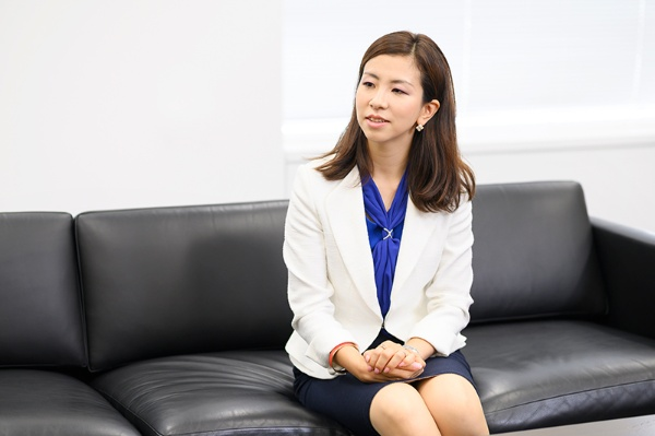 日本IBMデジタルサービス代表取締役社長に就任した井上裕美さん 。二人の子どもを持つワーキングマザーとして、仕事と育児の両立に悩んだ日々も