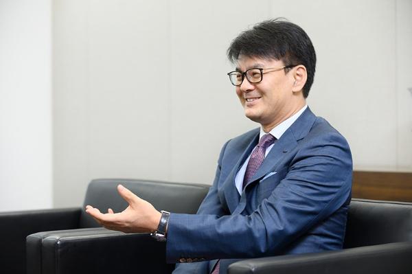 日本IBM代表取締役社長山口明夫さん。「つらい局面、難しい環境の中で精いっぱいやっている人を、チームは応援するもの」と語る