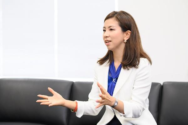 「山口社長の講演の動画なども参考に、伝わりやすい話し方を研究している」という井上さん