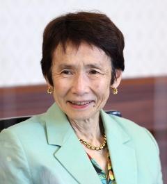石倉 洋子さん
